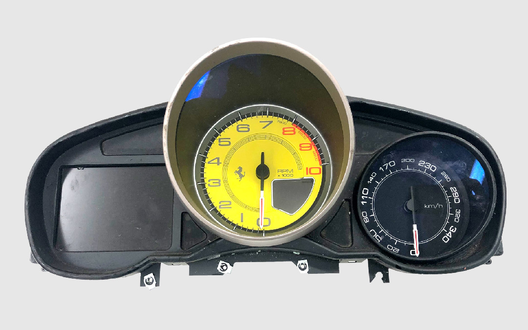 Ferrari California - Speedo/Tach surround